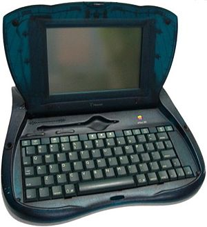 EMate 300 - Apple Newton eMate 300 open.