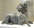 Ariete bronzeo di Siracusa, esposizione Palermo.png