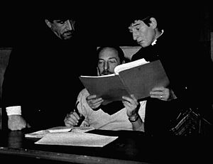 Vittorio Cottafavi - Cottafavi between actors Arnoldo Foà and Renato Rascel (1970)