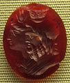 Arte ellenistica, iside e serapide, 3 sec. ac., corniola.JPG