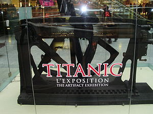 Artifacts on Titanic Exibition Montreal.JPG