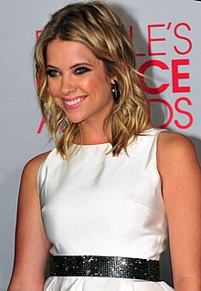 Ashley Benson na předávání cen People´s Choice Awards 2012