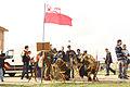 Asociación Histórico-Cultural Poland First to Fight, con la bandera de la Fuerza Aérea Polaca (15352080699).jpg
