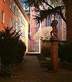 Atlas Brunnen Weckmarkt hinter 2 Frankfurt am Main 2014.jpg