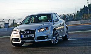 Audi RS4 — Wikipédia