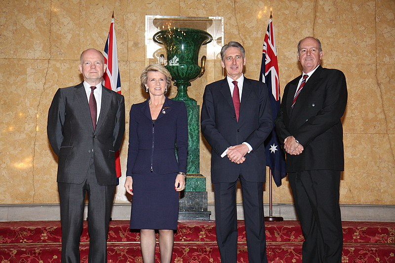 Datei:Australia - UK Ministerial meeting (13081086305).jpg