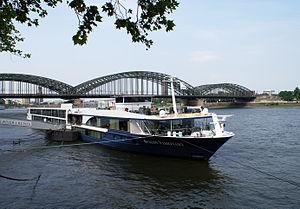 Avalon Visionary (ship, 2012) 001.jpg