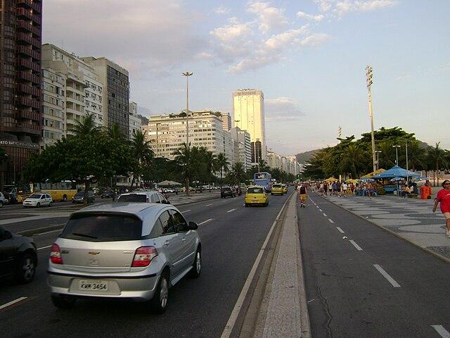 Avenida Atlantic by http://commons.wikimedia.org/wiki/User:Andrevruas