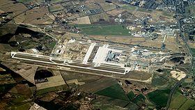 Vue aérienne de l'aéroport en mars 2012