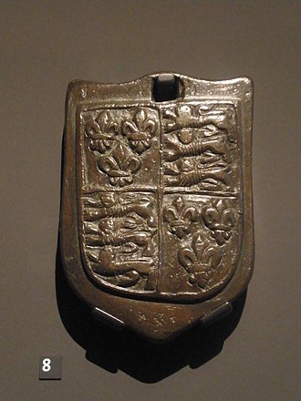 Stone (unit) - A 16th-century bronze 1 stone weight emblazoned with the English coat of arms