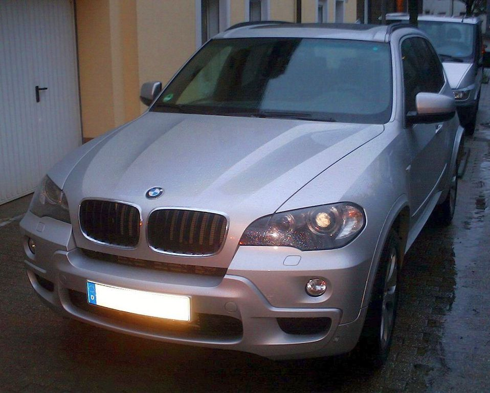 file bmw x5 m paket wikimedia commons. Black Bedroom Furniture Sets. Home Design Ideas