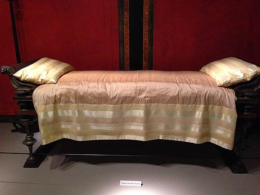 Banquet Couch (1st c. BCE) (15314755005)