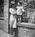 Beret, fashion, hat, woman, kid, mother Fortepan 31156.jpg