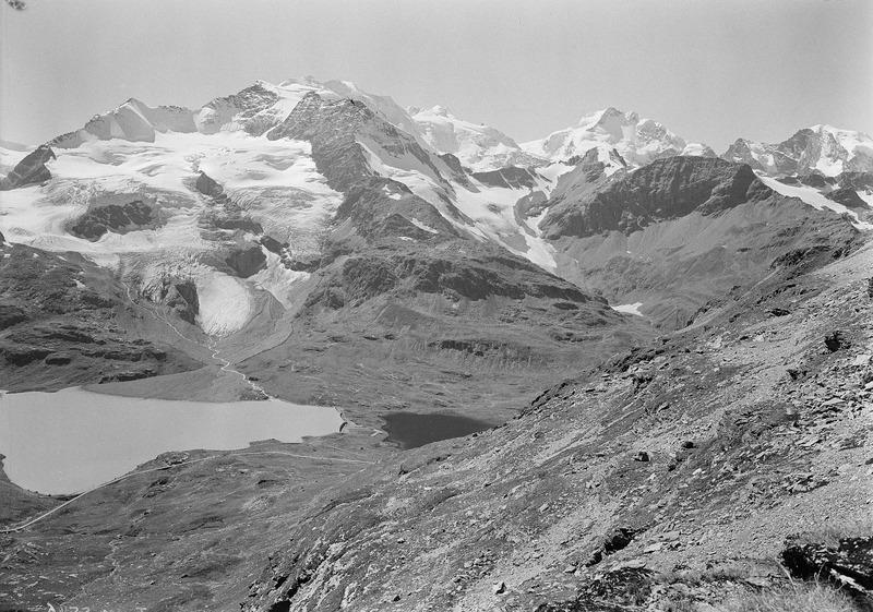 File:Berglandschaft mit Bergsee im Engadin - CH-BAR - 3241547.tif