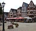 Bischofsplatz 3-9 Limburg - Altstadt mit Straßencafes.jpg