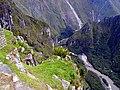 Blick vom Machu Picchu ins Urubambatal - panoramio.jpg
