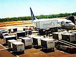 Boeing 737-800 of United Airlines in SAL.jpg