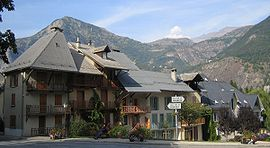 Le Bourg-d'Oisans. In the background the Grandes Rousses massif and the Alpe d'Huez