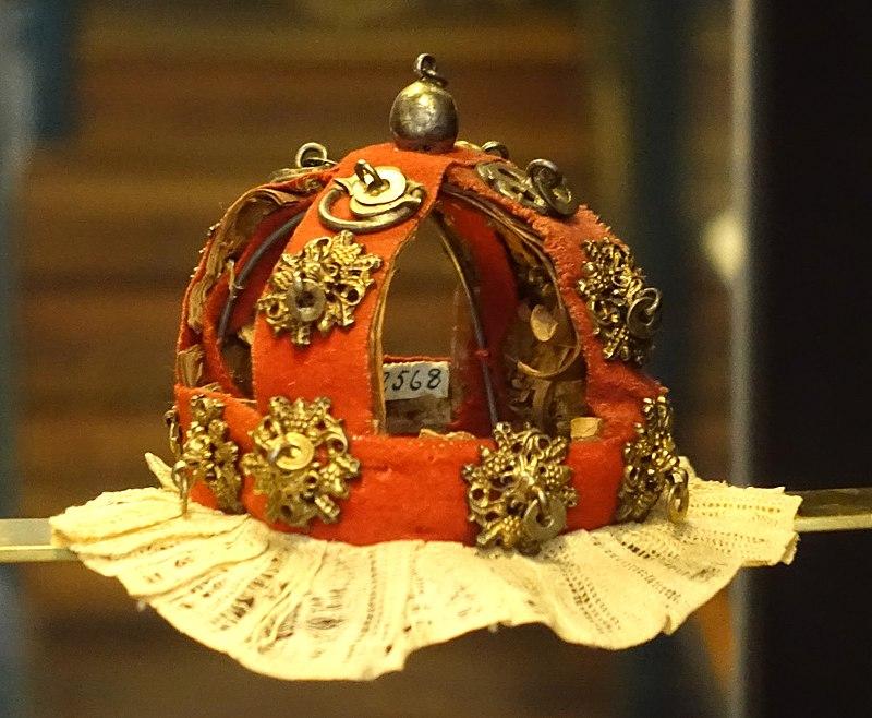Bridal crown, worn in Torne Lappmark, Karesuando, c. 1800, silver, birch-bark, cloth - Nordiska museet - Stockholm, Sweden - DSC09729.JPG