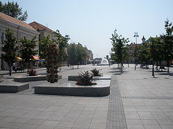 Brodsko korzo (ljeto 2008).jpg