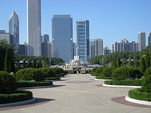 Grant Park (Chicago) - Buckingham Fountain is located in the center of Grant Park