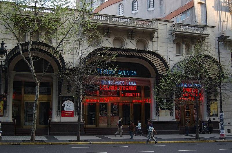 File:Buenos Aires - Avenida de Mayo - Teatro Avenida.jpg