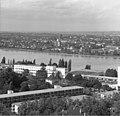 Bundesarchiv B 145 Bild-F025360-0010, Bonn, Blick vom Hochhaus im Tulpenfeld.jpg