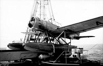 "Arado Ar 196 - Image: Bundesarchiv Bild 101II MW 1949 03, Kreuzer ""Admiral Hipper"", Bordflugzeug"