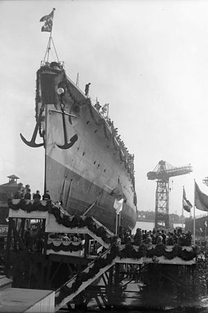 Königsberg-class cruiser (1927) - Köln at her launching on 23 May 1928