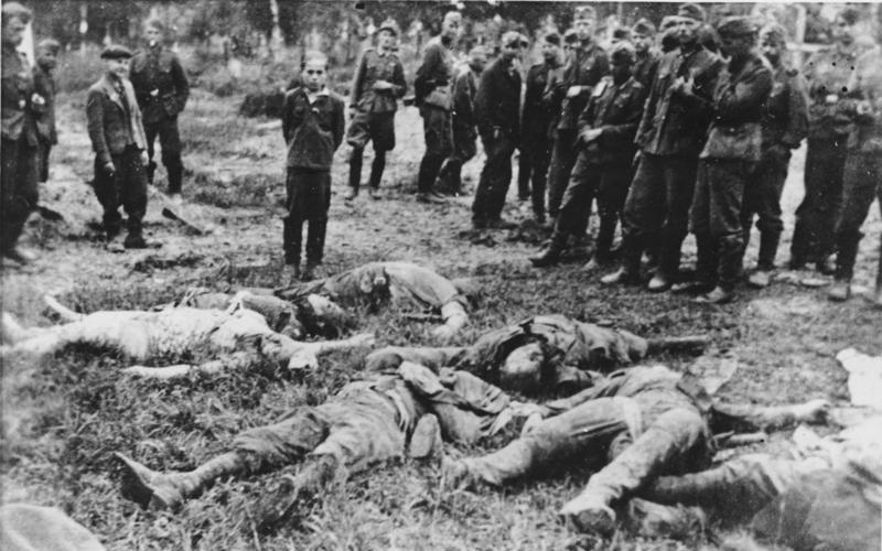 Bundesarchiv Bild 183-A0706-0018-030, Ukraine, ermordete Familie