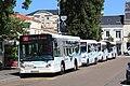 Bus au terminus central Jets d'eaux par Cramos.JPG