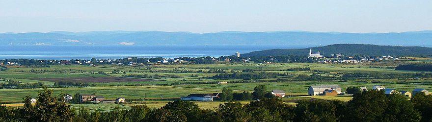 Canada – Un voyage de Québec vers la Gaspésie a travers les paroisses au 19 eme siècle 880px-Cacouna-pano