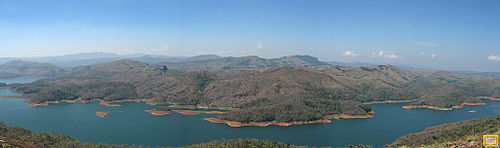 Idukki Reservoir from Anchuruli