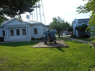 Hicksford–Emporia Historic District - Image: Cannon from WWI @ Greensville Co (VA) Courthouse