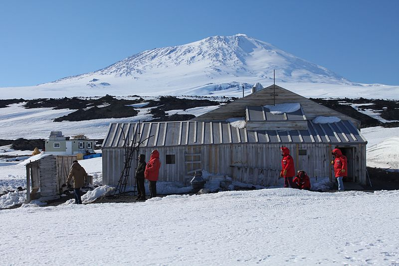 800px Cape Evans Scott's Hut