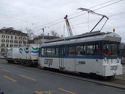 Cargo-Tram outside Zürich Hauptbahnhof (photo by Sunil Prasannan, via Wikimedia Commons)