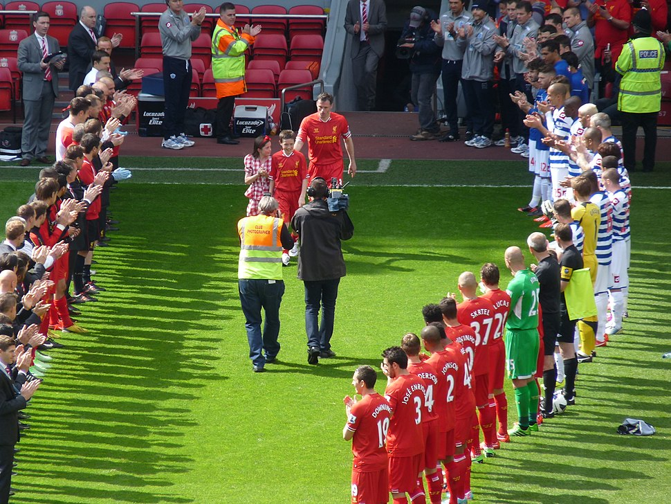 Carra - Guard of honour