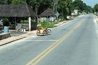 Tinúm Municipality - Image: Carretera Federal 180 Pisté, Yucatan, Mexico August 16, 2014