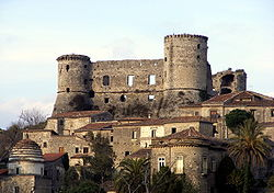 The castle of Vairano Patenora.