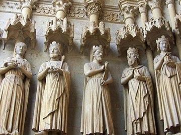 Cathedrale d'Amiens - rois du portail.jpg