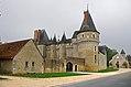 Château de Fougères-sur-Bièvre (Loir-et-Cher) (8116833686).jpg