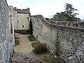Château des adhémar rempart est.JPG