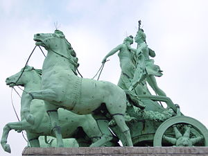 Thomas Vinçotte - the quadriga on the arch at the Cinquantenaire, with Jules Lagae, 1904-1905