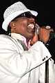 Charlie Wilson performs for troops in Iraq DVIDS253085.jpg