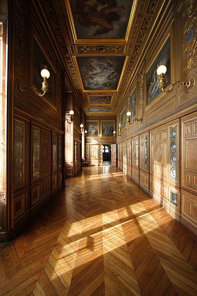 Fichier:Chateau de Fontainebleau FRA 005.JPG