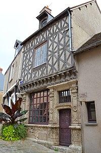 Chateaudun - Maison St Lubin (2).jpg
