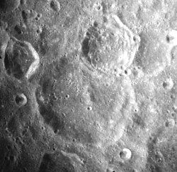 Chauvenet crater AS17-M-1131.jpg