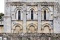 Chevet de l'église Saint-Pierre (Vaux-sur-Seulles, Calvados, France).jpg