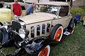 Chevrolet Deluxe Sport Roadster 1932 LSideFront LakeMirrorClassic 17Oct09 (14414118667).jpg