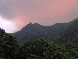 Chimney Tops Mountain in Tennessee, US